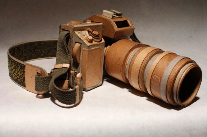 Cardboard Twin Reflex Camera – A Mirror to the Past